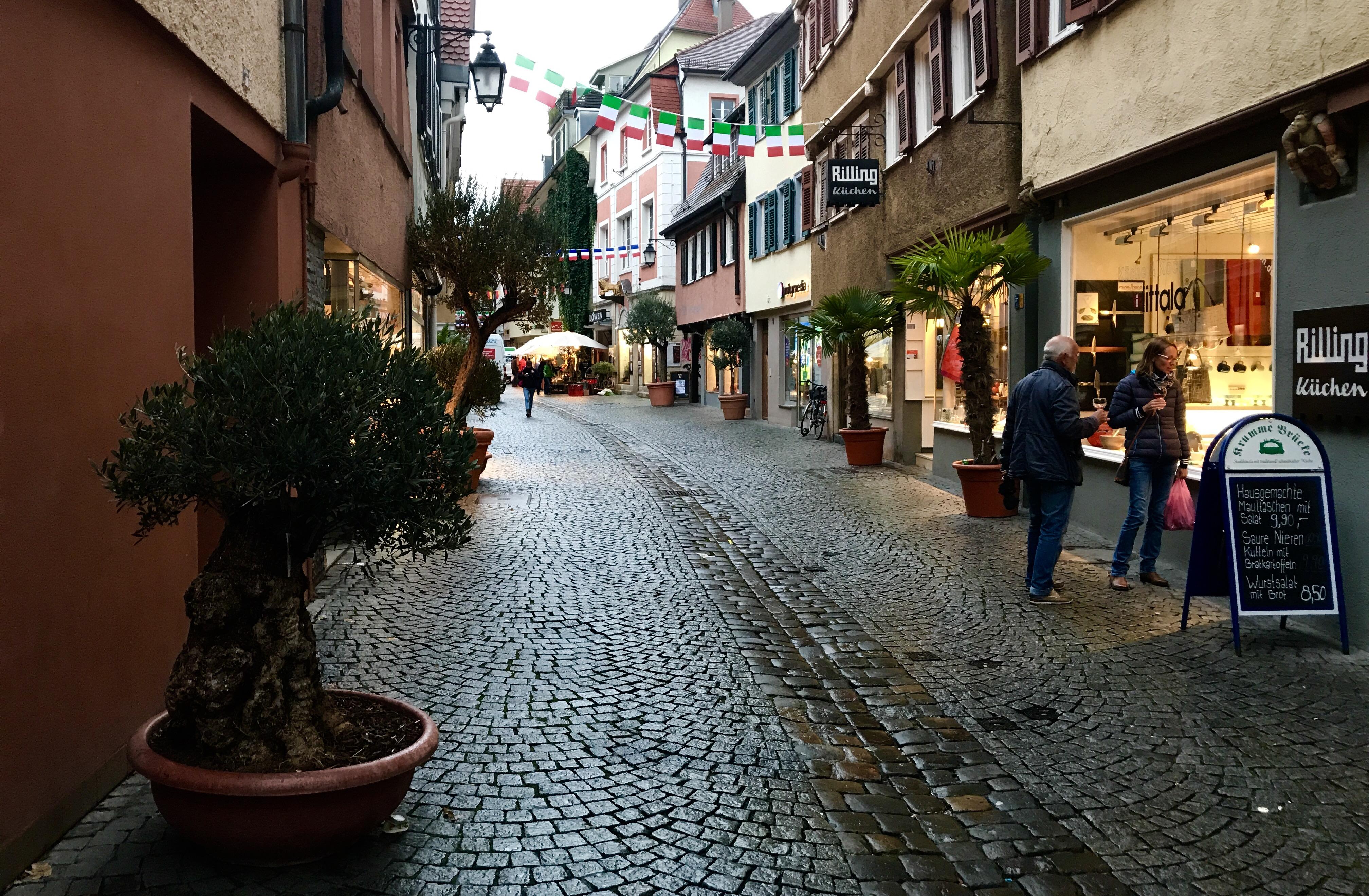 Bild von einer Gasse in Tübingen während dem umbrisch-provenzalischen Markt